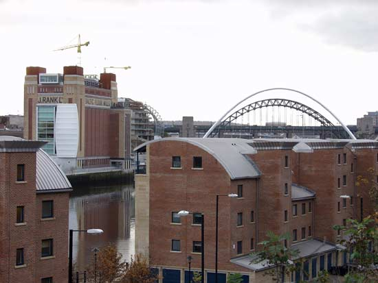 Baltic, new Music Centre, and bridges from Tyne Street